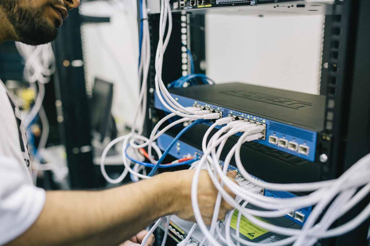 firewall a router